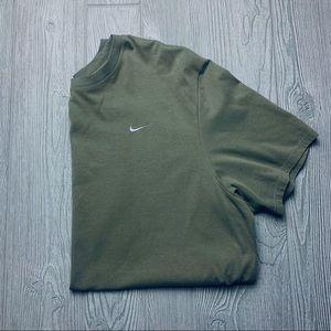 Nike essential khaki olive check tshirt